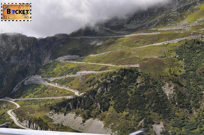 Alpin roads Grimsel urcare