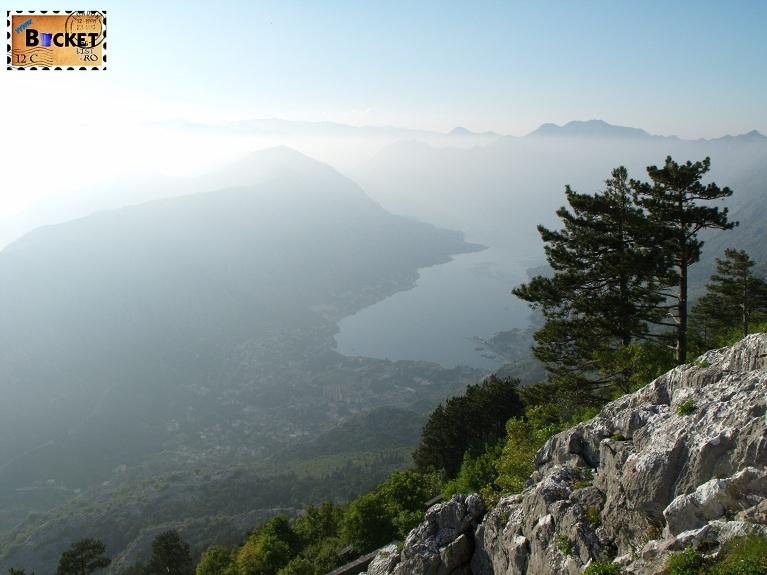 Boka Kotorska vedere de pe drum