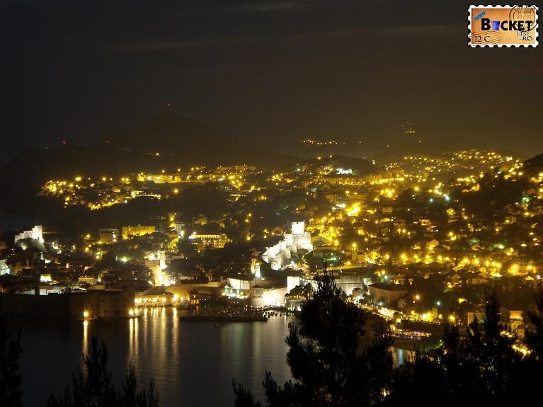 Cetatea Dubrovnik noaptea