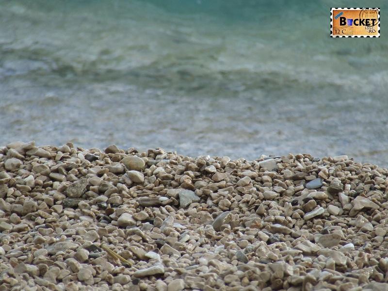 Plaja de pietricele in Brela
