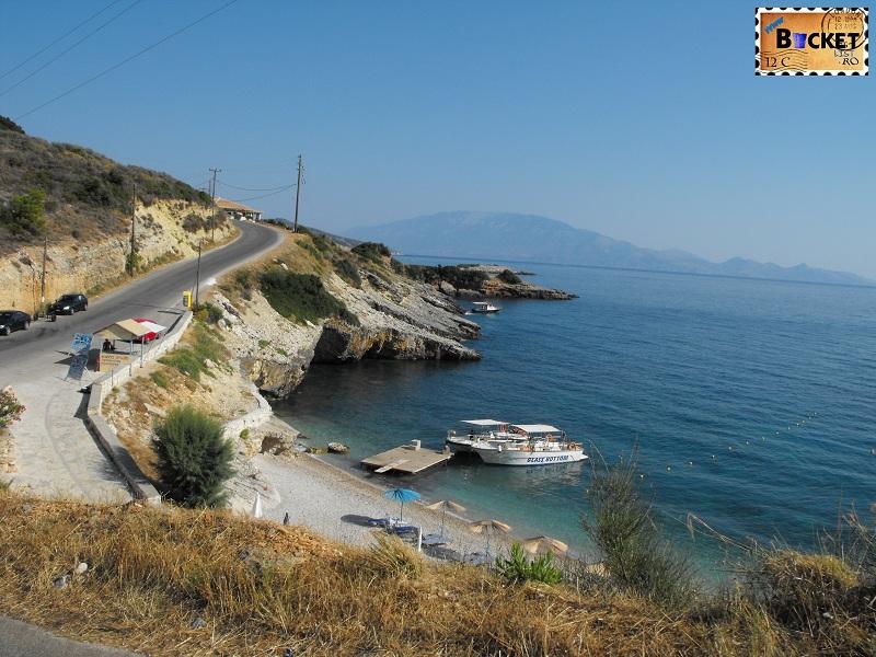 Makris Gialos in drum spre Plaja Navagio