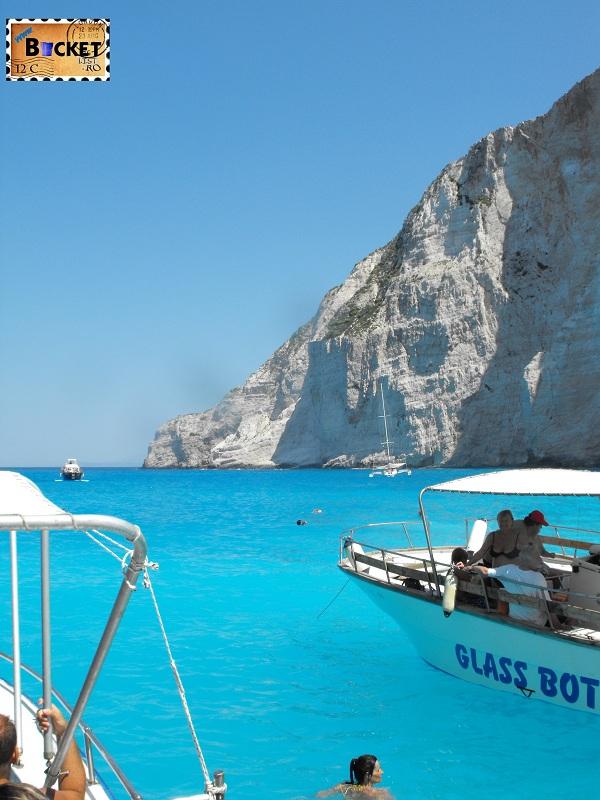 Glass-Boat-at-Navagio - Plaja Navagio