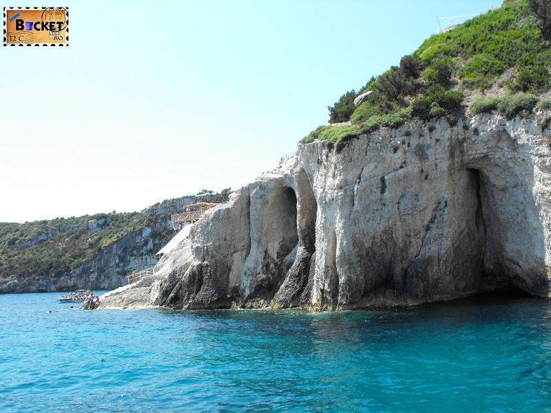 Blue caves - lânga pesteră