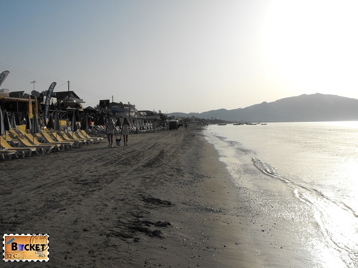 Plaja Laganas la 8 dimineata