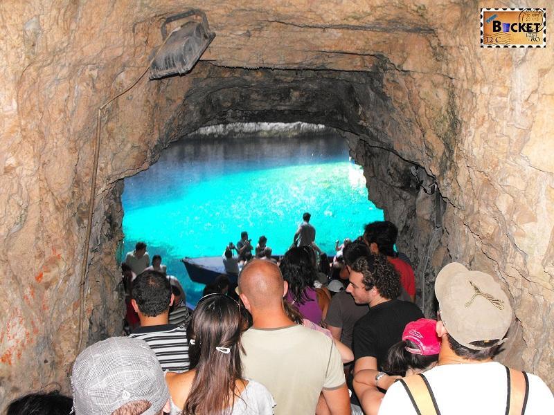 tunel spre lacul Melissani