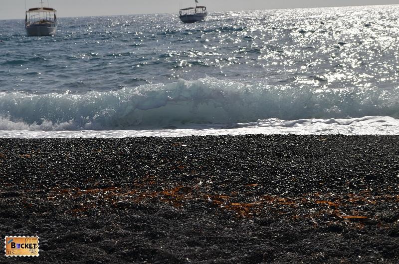 Kamari - Plaja neagra