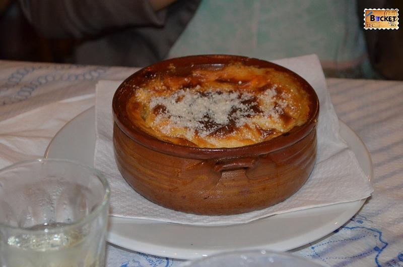 Kamari - Taverna Sellada mousaka
