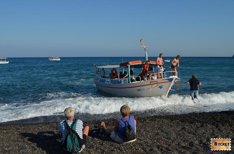 Kamari Taxi Boat to Perissa