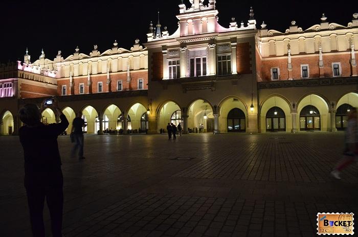 Cracovia piaţa Rynek Glówny - Top 10 destinaţii
