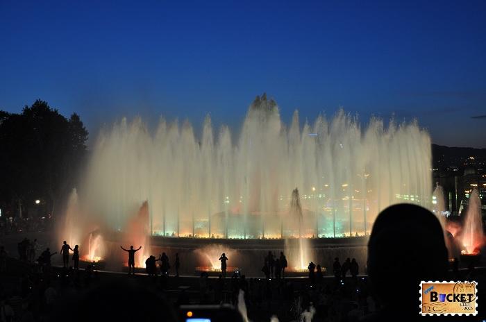 Fântânile magice de pe  Montjuic - Barcelona