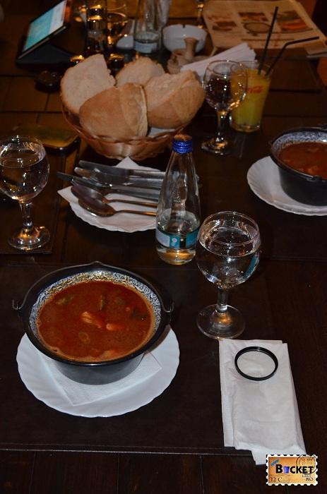 Restaurant Taverna Pecicana - Ciorba de peste a la Szeged
