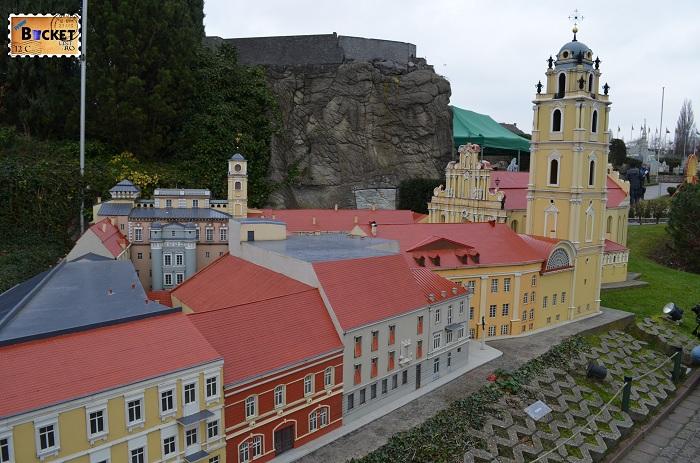 Mini Europe biserica