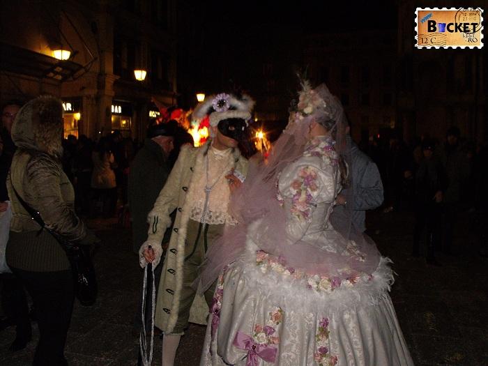 Carnavalul de la Veneția costume traditionale