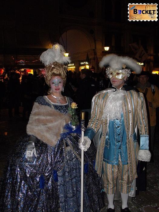 Carnavalul de la Veneția Costume piata San Marco