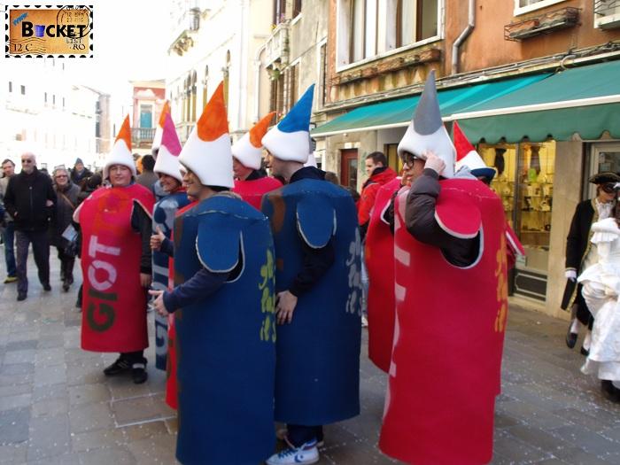 Carnavalul de la Veneţia  Creioane colorate