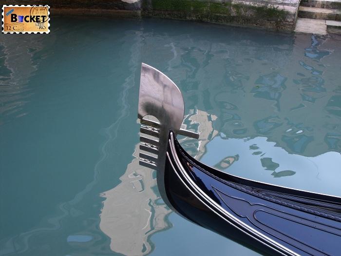 Carnavalul de la Venetia -  Gondola