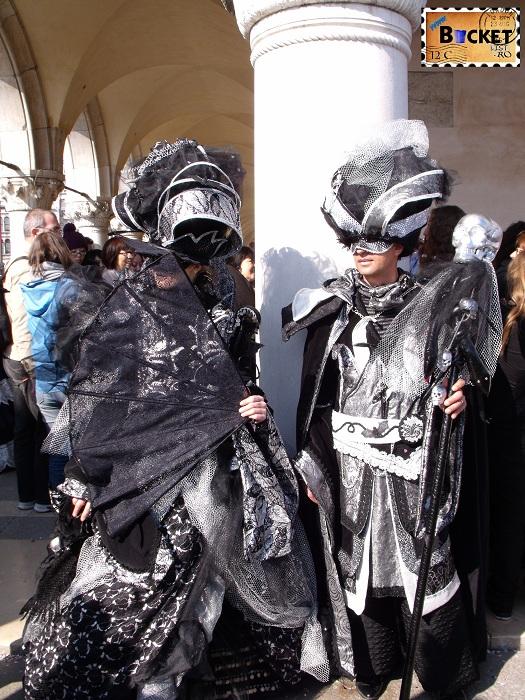 Carnavalul de la Venetia -  costume