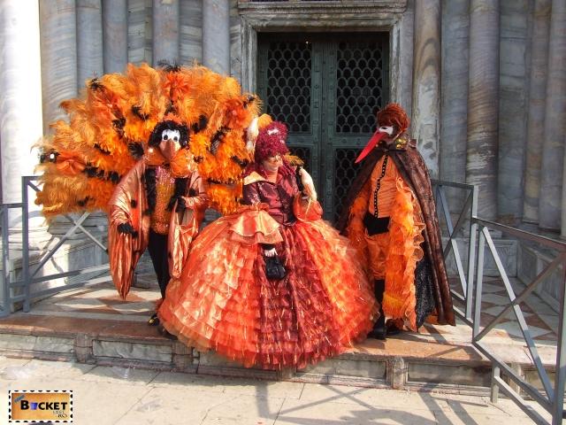măşti tradiţionale la  carnavalul de la Veneţia