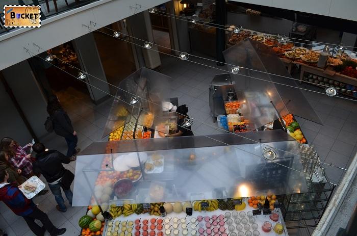 Unde să mănânci în Amsterdam - zona de servire La Place
