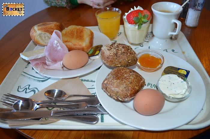 Unde să mănânci în Amsterdam - Restaurant La Place mic dejun