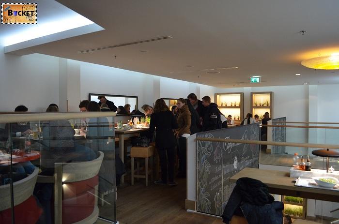 Unde să mănânci în Amsterdam  etaj 2 Restaurant Vapiano