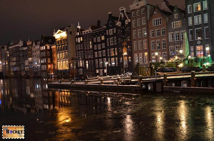 Amsterdam - peisaje de noapte - Damrak