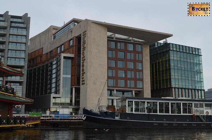 Canalele din Amsterdam - Biblioteca centrala