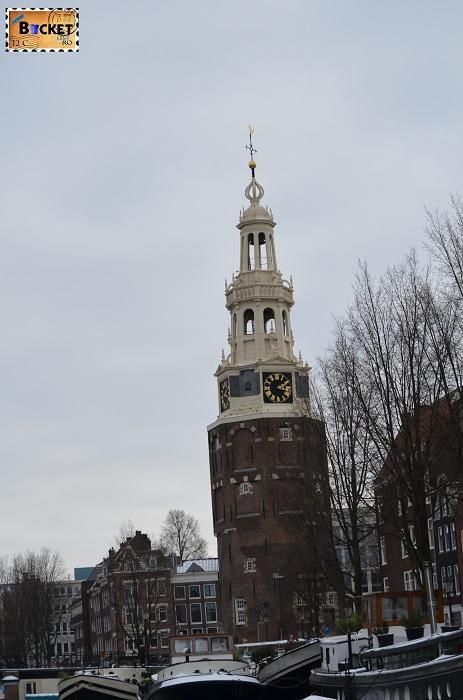 Canalele din Amsterdam - Waalseilandsgracht si Oudeschans  turnul Montelbaanstoren
