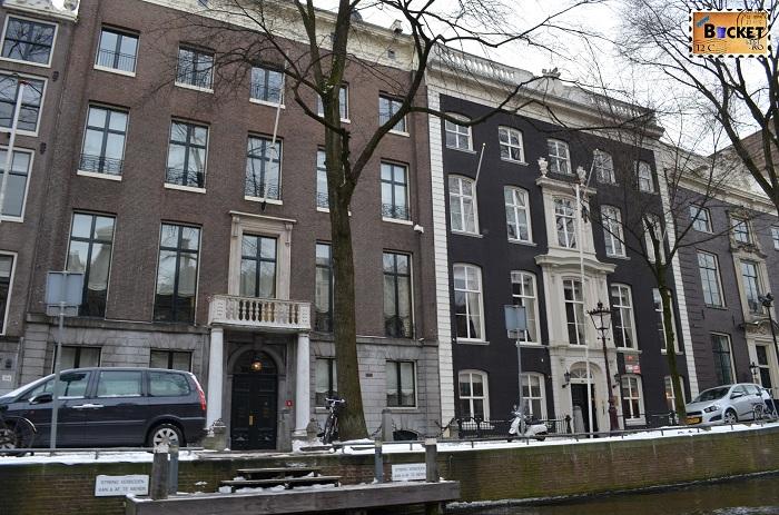 Canalele din Amsterdam - case