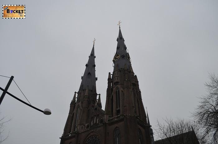 Biserica St. Catharinakerk din Eindhoven, turnurile