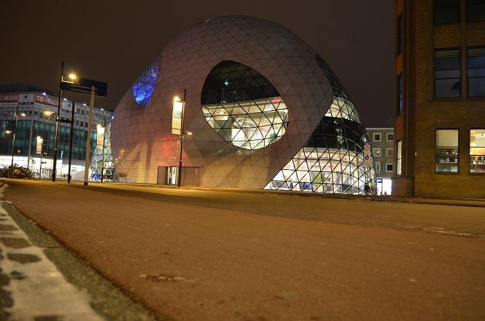 Eindhoven - peisaje de noapte, The Blob