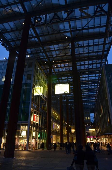 Eindhoven - peisaje de noapte, Piazza