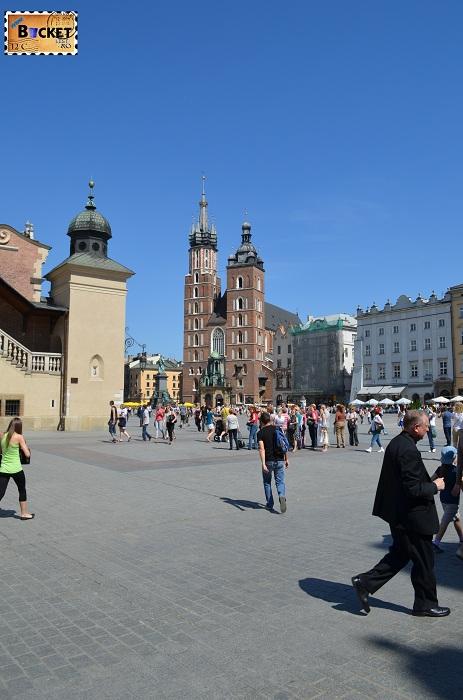 Bazilica Sf. Maria si piața Rynek Główny din Cracovia