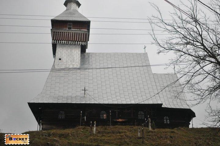 Biserica de lemn Bradet Bihor 1