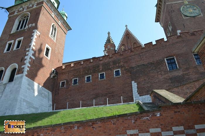 Castelul Wawel Cracovia - turnul Sigismund Bazilica Sf. Stanislaus si Sf. Wenceslaus