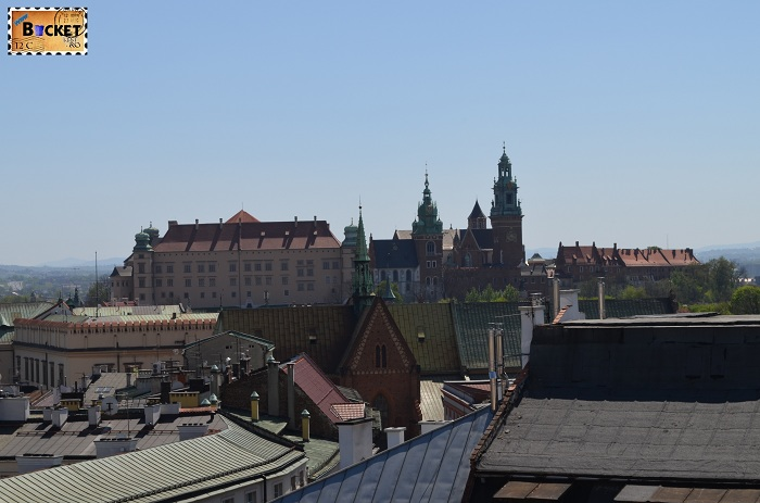 Castelul Wawel privit din turnul primariei din Cracovia