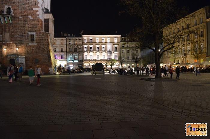 Cracovia - peisaje de noapte turnul primariei