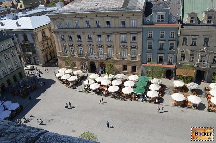 Piața Rynek Główny privita din turnul primariei din Cracovia