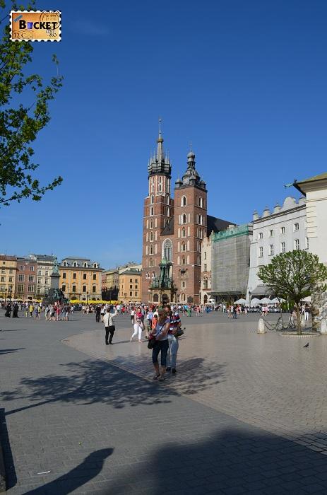 Piața Rynek Główny si Bazilica Sf. Maria din Cracovia