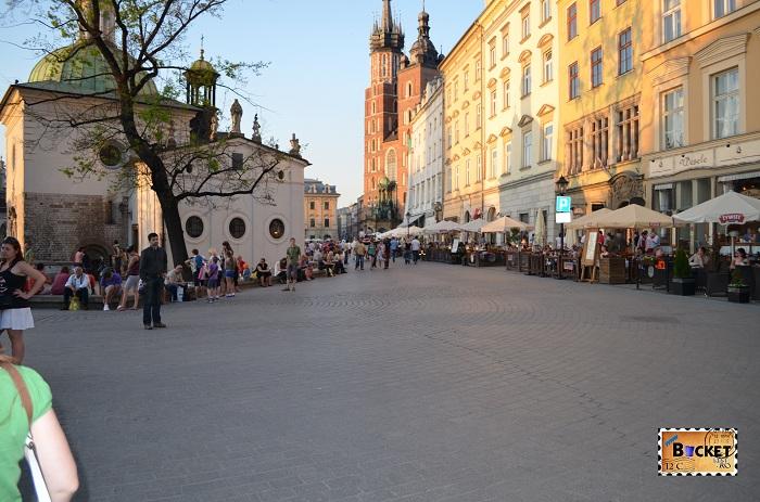 Biserica Sf. Wojciech's si piaţa Rynek Glowny