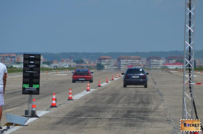 CS23VRT vs BH88NTB - Drag Racing