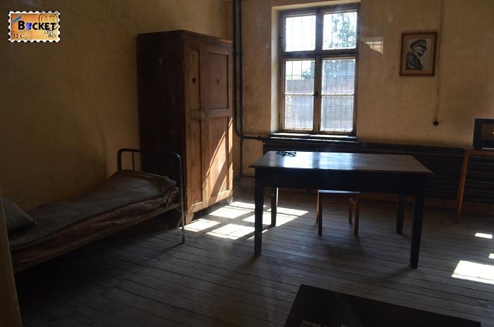 Lagărul Auschwitz I  - barca nr 11 The death block - sala de judecata
