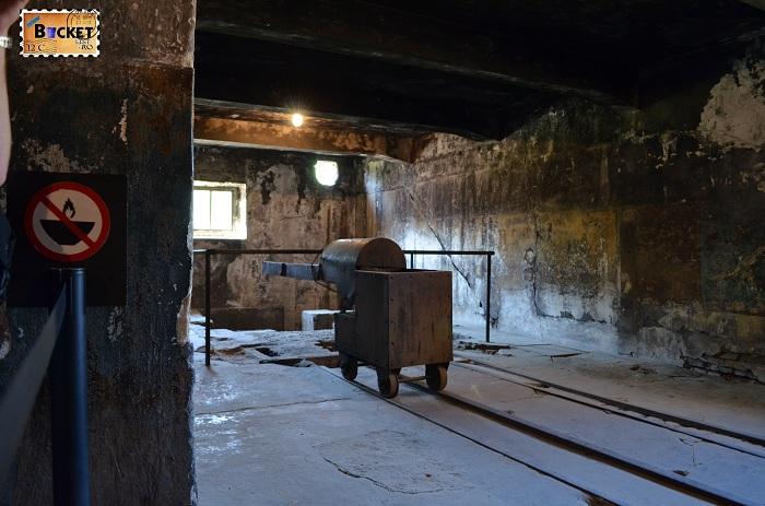 Lagărul Auschwitz I - crematoriu (2)