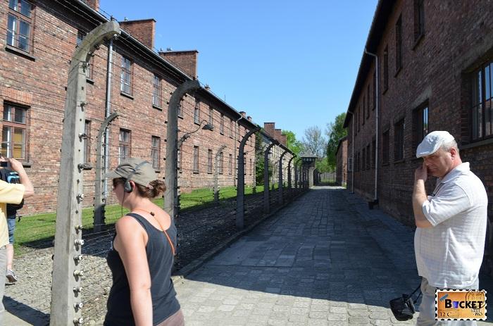 Lagărul Auschwitz I  - gard electrificat