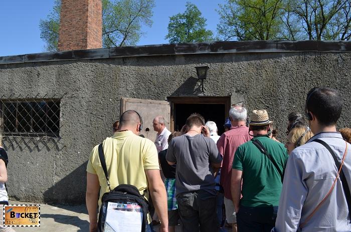 Lagărul Auschwitz I intrare camera de gazare