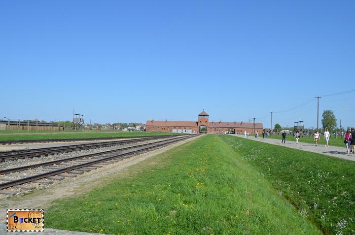 Lagărul de concentrare Auschwitz II - Poarta Mortii.