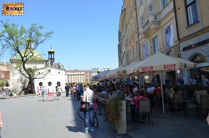 Piaţa Rynek Glowny si biserica St. Wojciech's