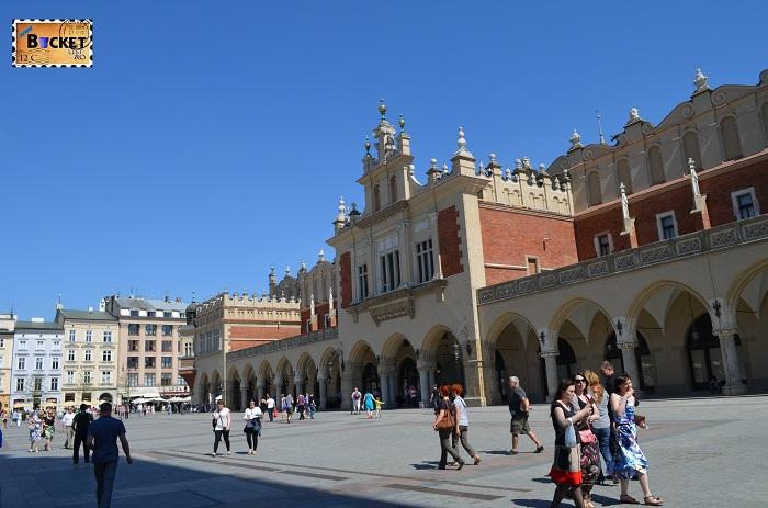 Sukiennice din Piaţa Rynek Glowny - Cracovia