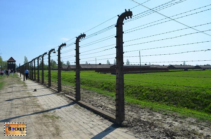 Gard electrificat la lagărul de concentrare Auschwitz II - Birkenau