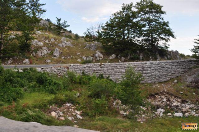 Priveliste de pe traseul: Brus - Kopaonik - Raška - Mateševo - Podgorica. In drum spre Muntenegru